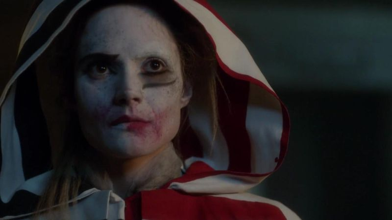 Gotham Actress Shares New Look At Harley Quinn With Joker