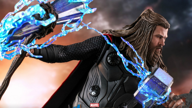 Hot Toys Sends Avengers Endgame Plus-Sized Thor Into Battle